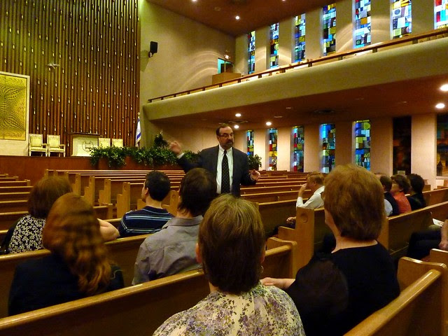 P1000304-2011-09-22-APC-Sacred-Spaces-Tour-Ahavath-Achim-Synagogue-Rabbi-Neil-Sandler