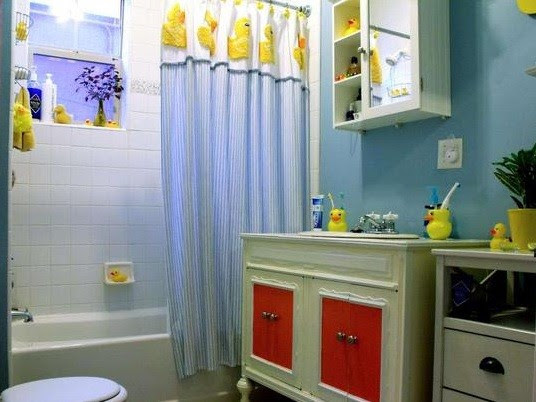 Rubber ducky bathroom decor - Rubber duck bathroom theme | Home