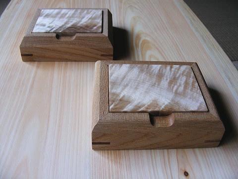 栃縮杢小箱。