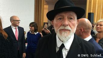 Markus Lüpertz bei der Ausstellungseröffnung in der Kunsthalle Rostock (Foto: DW/G. Schließ)