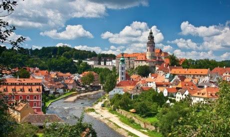Το Cesky Krumlov της Τσεχίας μοιάζει πολύ στη δική μας Βοβούσα. Δεν νομίζετε;