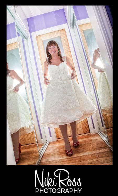 bride-redshoes