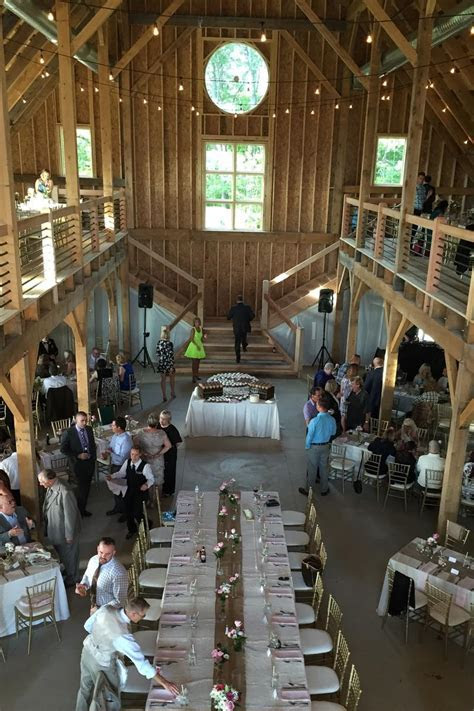Mapleside Farms: Barn Weddings   Get Prices for Wedding