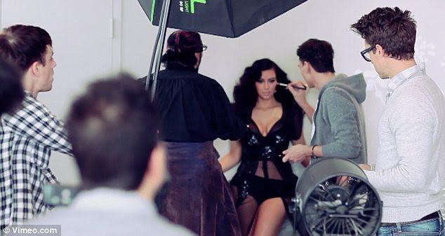 Retocar: Kim tinha uma equipe de pessoas fazendo certeza de que ela estava procurando o seu melhor