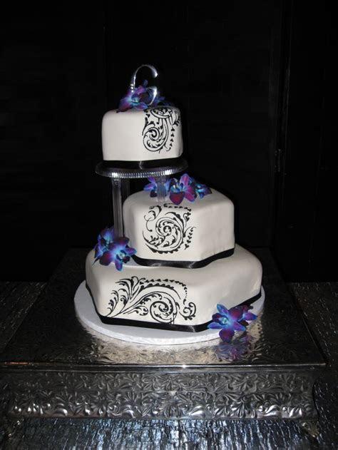 Blue and Purple Orchid Wedding Cake   Wedding Ideas