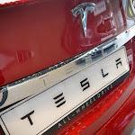 Landes. Il roule à 230 km/h au volant d'une Tesla pendant que son fils le filme