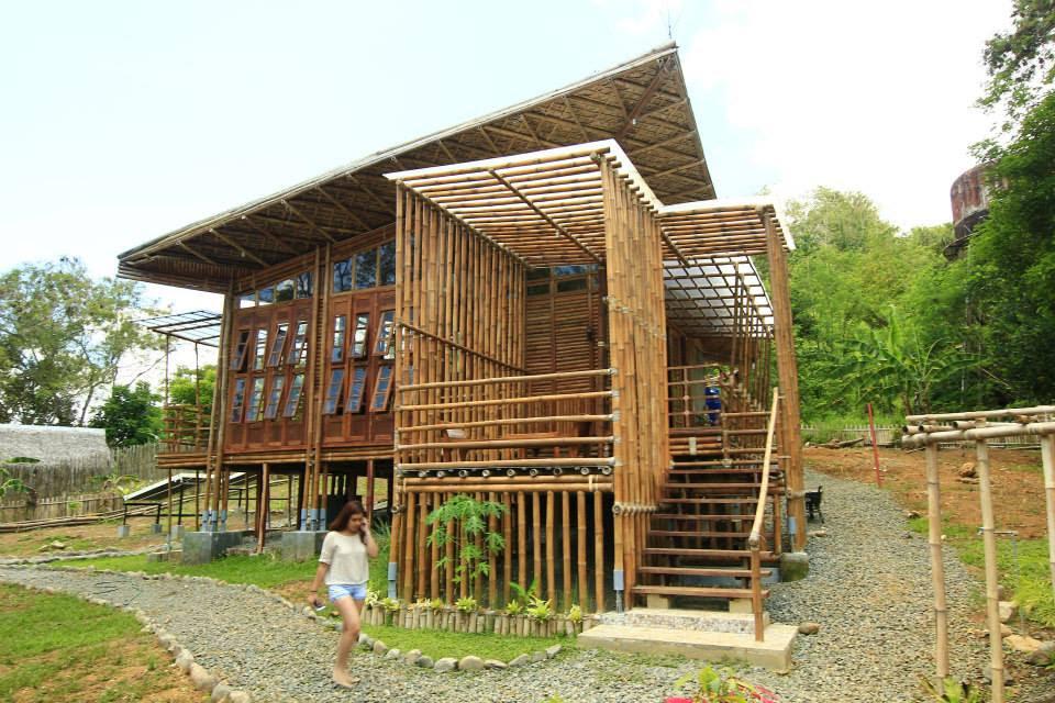 Bahay Kubo Kahit Munti Buensalidoarchitects