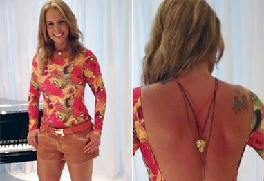 Carla Perez mostra o decotão do look usado no show de Xanddy - Reprodução