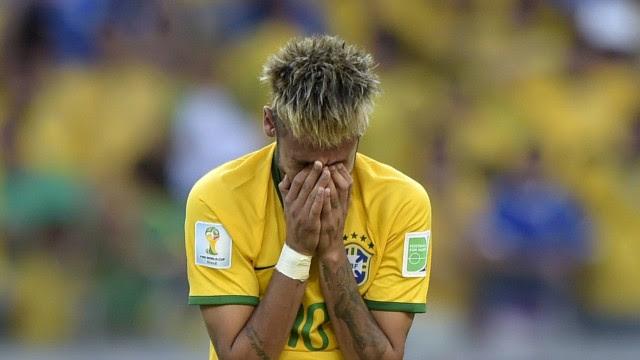 Neymar chora após a classificação do Brasil contra o Chile