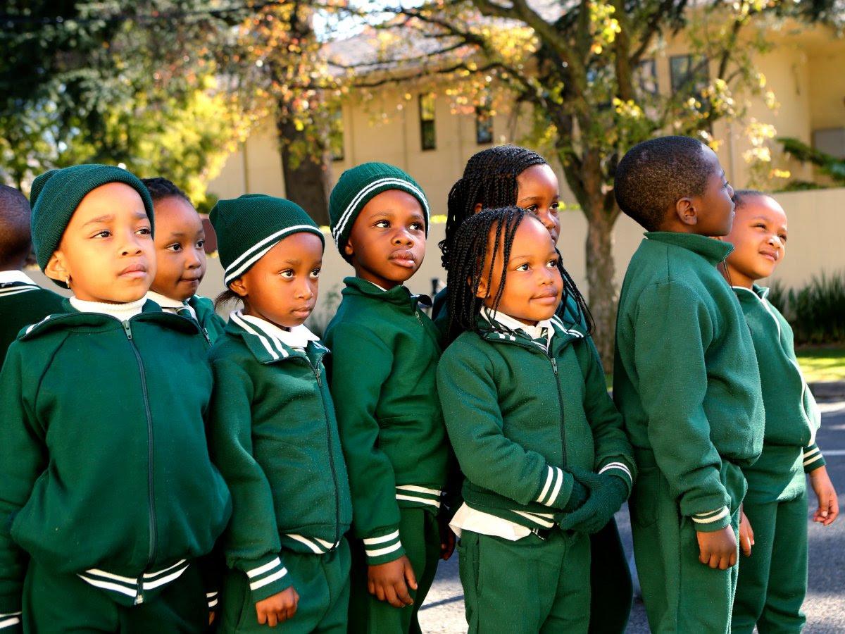 Como são os uniformes escolares em alguns países ao redor do mundo 05