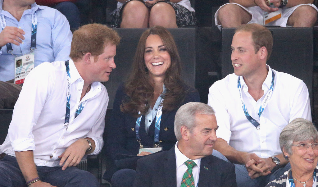 Kate, William, Harry, Hrabia i Hrabina Wessex na Commonwealth Games w Glasgow.