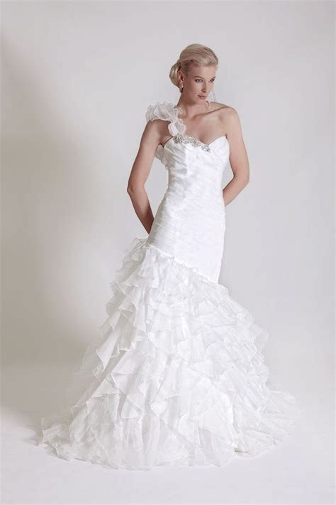20 best Wedding Dress Style for your Body Shape images on