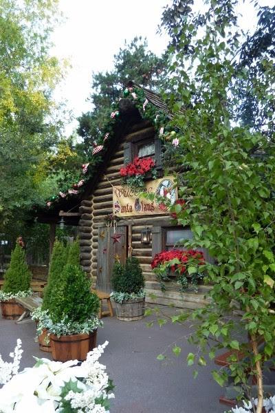 Rustic Holiday Decor Ideas from Disneyland's Big Thunder Ranch ...