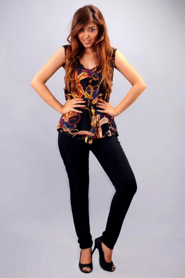 Rumor-Tops-and-T-Shirts-with-Tights-Jeans-Summer-Outfits-Collection-2013-For-Girls-9