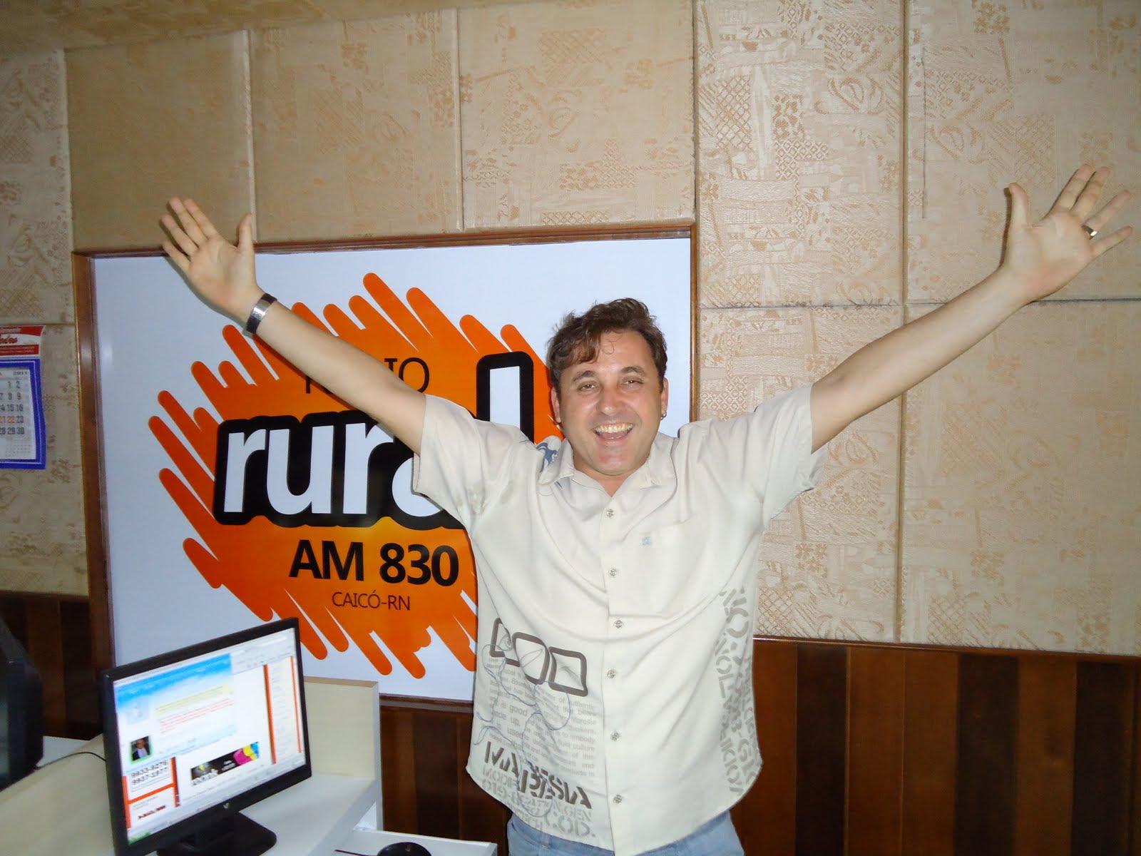 O radialista Batata comanda atualmente o Programa Cidade Alerta, na Rádio Rural AM de Caicó - (foto: Paulo Júnior)