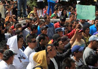 Colapsarán Morelia; hay trece normalistas desaparecidos, tras operativo policíaco