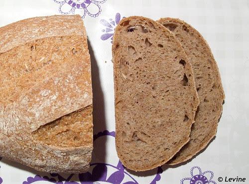 Zuurdesem speltvolkorenbrood