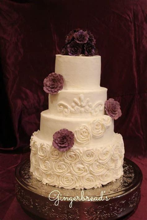 wedding cakes with buttercream garlands   Plum wedding
