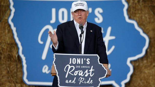 Donald Trump annonce l'instauration d'un système de vérification assurant une rapide expulsion des immigrants après expiration de leur titre de séjour, lors d'un discours à Des Moines, dans l'Iowa.