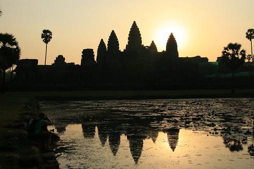 Angkor Wat Sunrise at 07:42, 25/Jan/2010