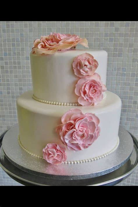17 Best images about Wedding cakes on Pinterest   Cakes