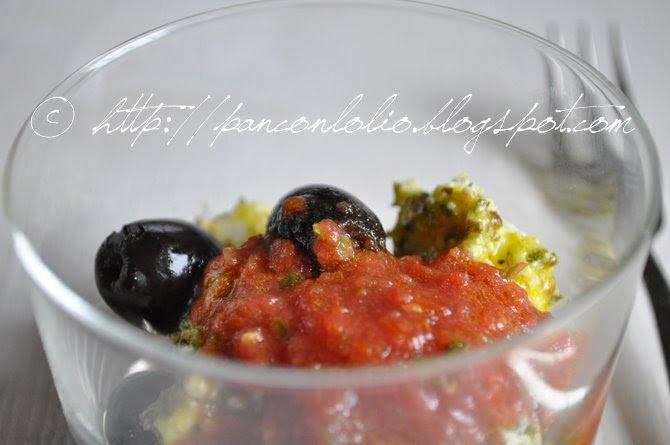 bicchierini con feta e salsa di pomodoro