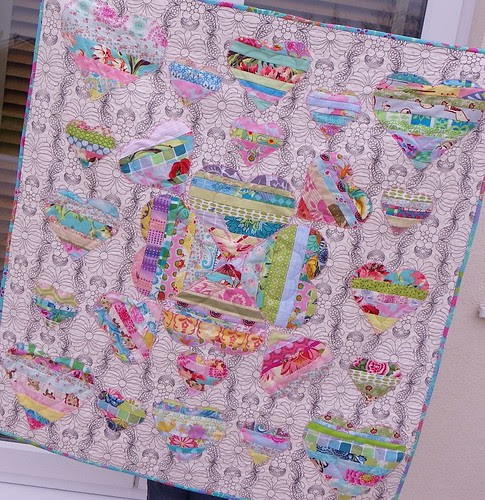 Simply Strings bee quilt finished