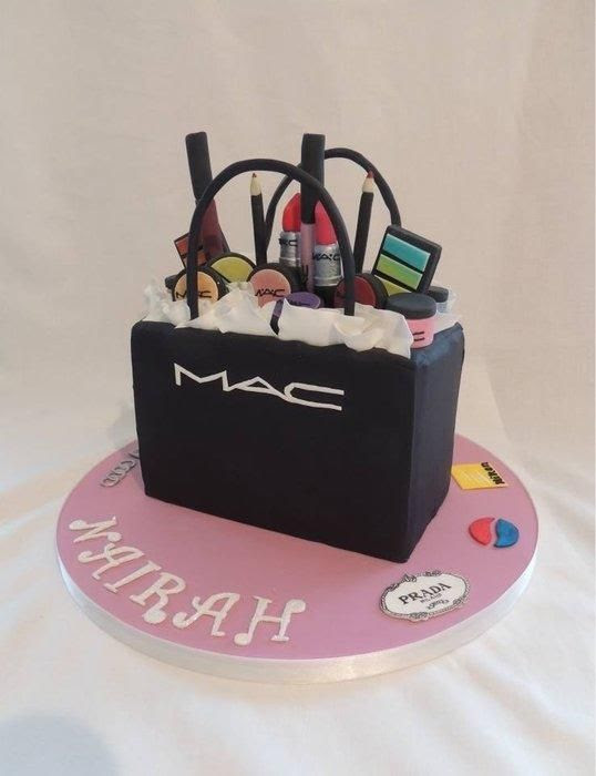 Make Up Kit Cake Design - logo design ideas