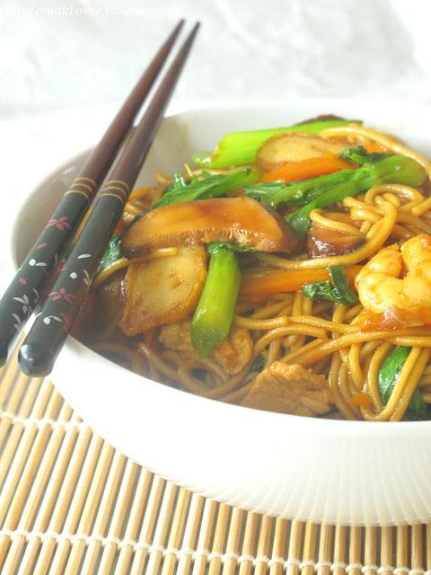 Shanghai stir-fried noodles