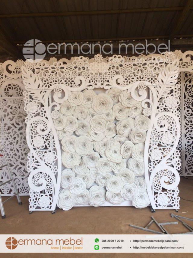 photo booth pernikahan bunga karet
