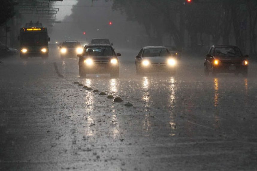 ONAMET anuncia para este lunes más lluvias y aisladas tormentas eléctricas