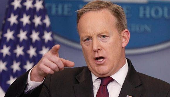 La Asociación de Corresponsales de la Casa Blanca emitió un comunicado protestanto fuertemente contra la manera con la que fue manejado el encuentro con Spicer. Foto: Getty Images.