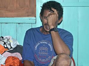 Pai de Francisco Maian Santana da Costa lamenta a morte do filho (Foto: Adelcimar Carvalho/G1)