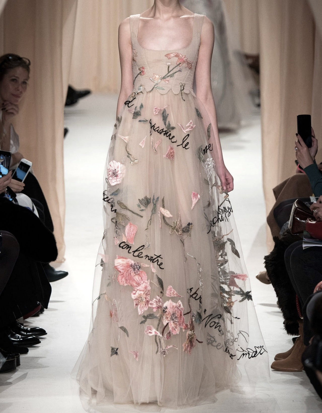 highqualityfashion:Valentino HC SS 15