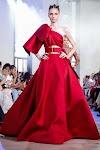 أحدث تصميمات إيلي صعب لفساتين السهرة المنفوشة