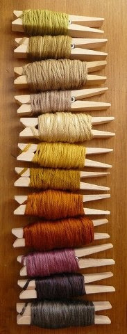 Pegs for yarn bobbins