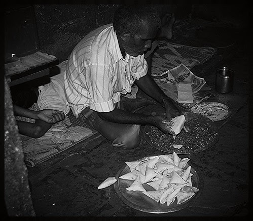 Ramzan Keeps The Slum Workers Occupied .. by firoze shakir photographerno1
