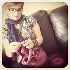 Some morning knitting:))) Un po' di knitting mattutino:)))