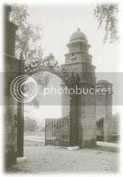 female seminary opened by Mary Lyon