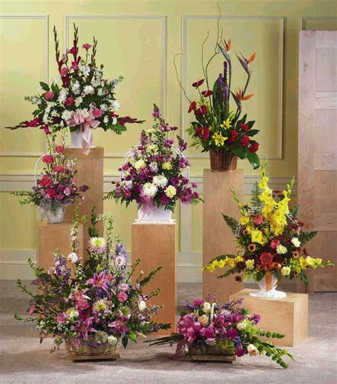 Valentine's Day Roses Delivery in Bangalore. Online flower