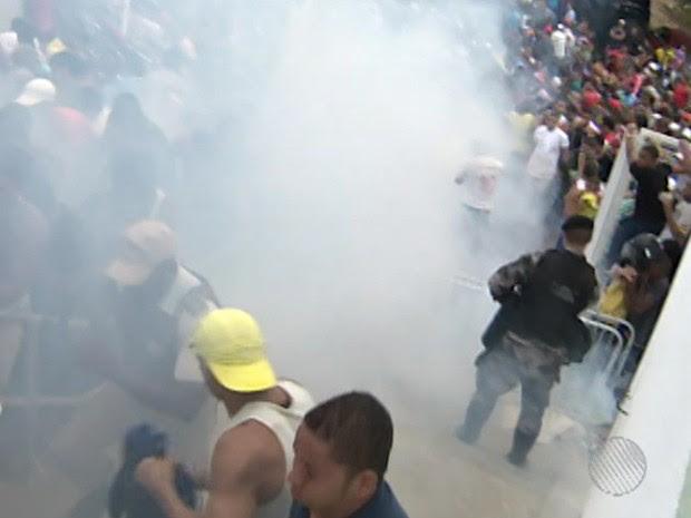 confusão arena fonte nova (Foto: Reprodução / TV Bahia)