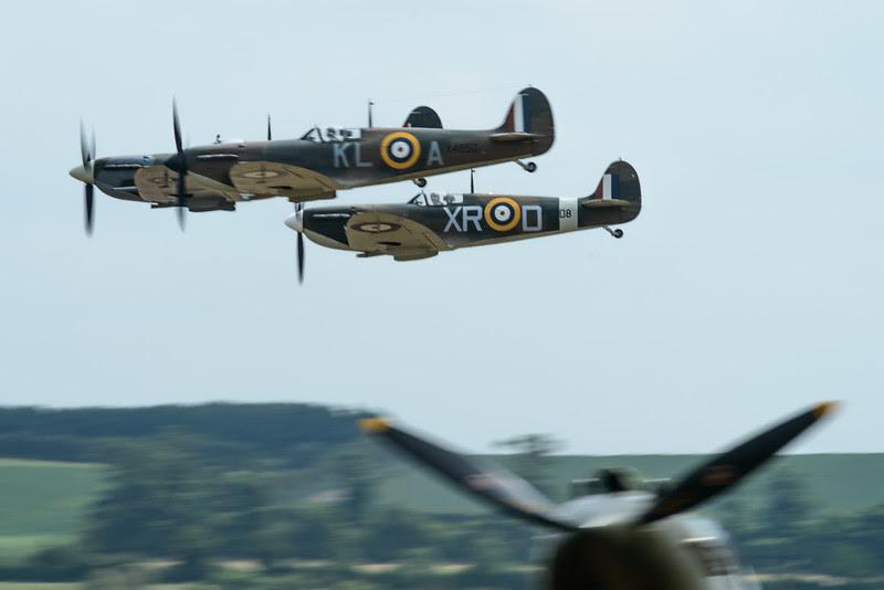 Threeship Spitfire formation