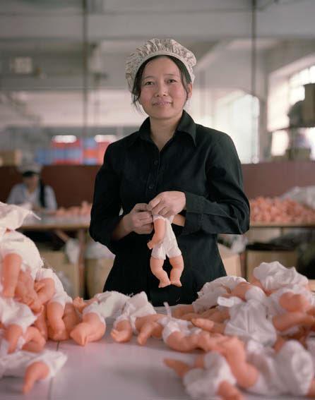 fabrica china trabajadores chinos mattel juguetes 04