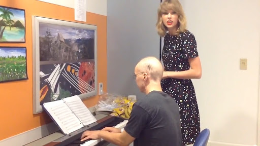 Avatar of Watch Taylor Swift Sing Adele's 'Someone Like You' With a Leukemia Patient