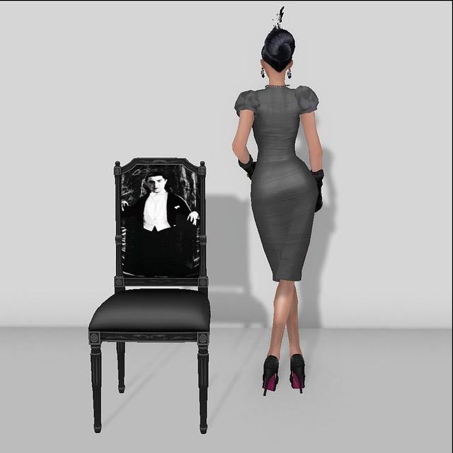 Dollarbie Horror Icon Chair 2