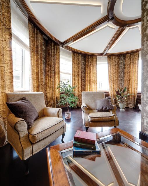 Traditional Interior Design In Creme Color Scheme With Dark