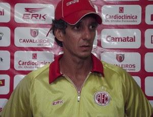 Alexandre Irineu, treinador do América-RN (Foto: Tiago Menezes)