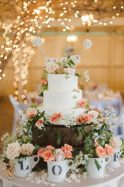 Mr and Mrs. Rustic Wedding Cake #vintagewedding