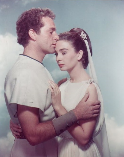 richardburton jeansimmons therobe 1950s oldhollywood moviestars iconic vintage OldMovies oldcinema goldenera classicmovies HollywoodGoldenAge classichollywood hollywood stars