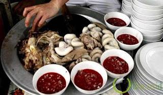 Saat ini banyak sekali kuliner yang  enak dan yummy yang di hidangkan di restoran namun s Makanan Aneh yang di Anggap Menyehatkan